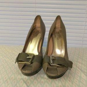 Michael Kors leather heels size 7
